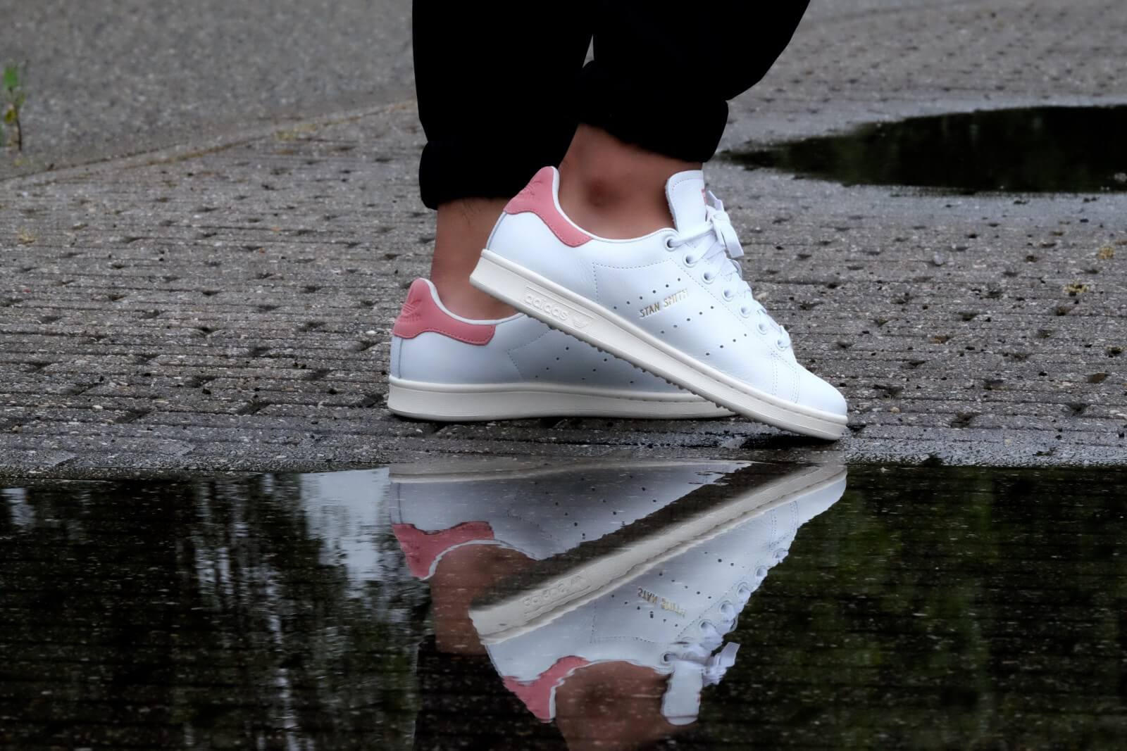 stan smith outfit girl